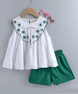 Hugsntugs Sleeveless Flowers Embroidery At Front Yoke Top With Shorts  - White & Green