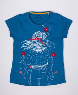 ParrotCrow Short Sleeves Monochromatic Girl With Flower Printed T Shirt - Blue