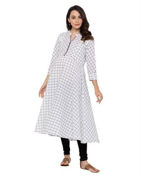 MomToBe Full Sleeves Flared Checkered Maternity Kurta - White
