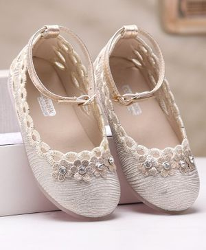 Cute Walk by Babyhug Party Wear Belly Shoes Floral Appliques - Beige Silver