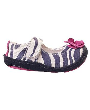 Rileyroos Fiona In Zebra Baby Shoe - Grey And Pink