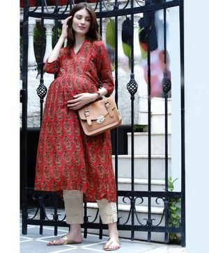 Mine4Nine Flower Print Three Fourth Sleeves A-Line Maternity Kurta - Red