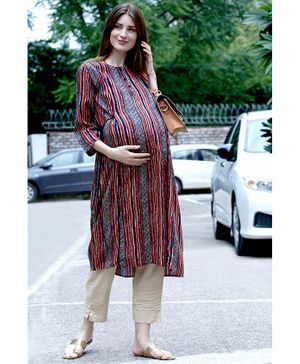 Mine4Nine Striped Three Fourth Sleeves A-Line Rayon Maternity Kurta - Red
