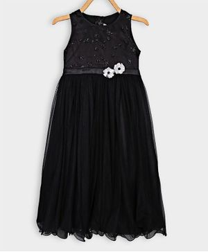 Rianna Sleeveless Star Sequined With Flower Detailed Netted Gown - Black