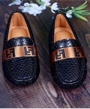 FEETWELL SHOES Self Design Loafers - Black