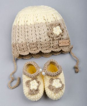 The Original Knit Flower Design Woolen Cap With Booties - Beige