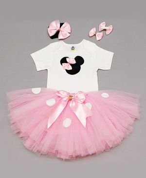 TINY MINY MEE Half Sleeves Bow Detailed Patch Onesie With Skirt & Headband - White & Pink