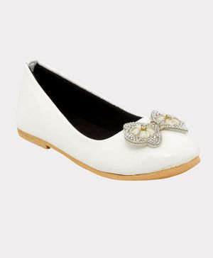 Chipbeys Studded Butterfly Detailing Anti Skid Bellies - White