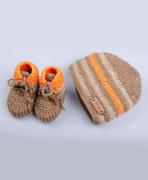The Original Knit Striped Cap With Booties - Beige