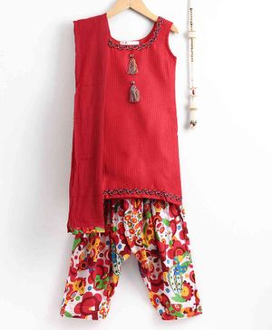 The Little Fashionistas Sleeveless Kurti With Flower Print Salwar & Dupatta - Red