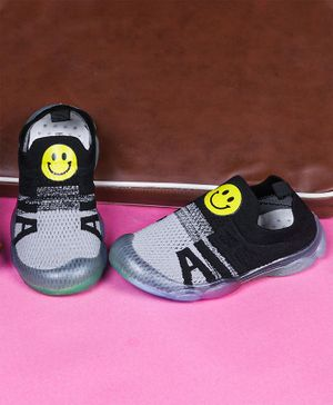 FEETWELL SHOES Smiley Pattern Shoes - Black