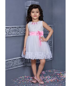Betty By Tiny Kingdom Sleeveless Bow With Lace Detailed Dress - Pink