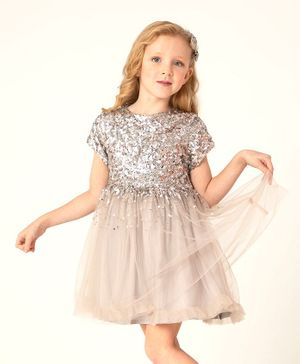 Cherry Crumble By Nitt Hyman Short Sleeves Sequin Embellished Flared Dress With Bow Hair Clips - Green