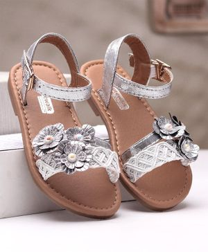 Cute Walk by Babyhug Party Wear Sandals Floral Appliques - Silver