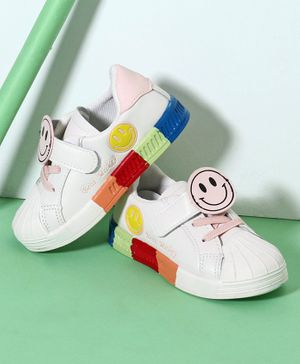 Hoppipola Smiley Patch Detailing Casual Shoes - Pink