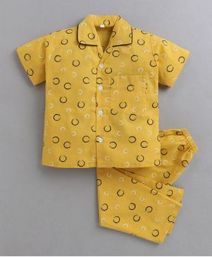 IndiUrbane Half Sleeves Circle Printed Woven Night Suit - Yellow