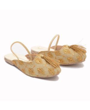 Little Palz Shell Embroidered Mojaris - Golden