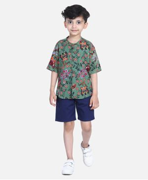 Cutiekins Half Sleeves Floral Print Shirt With Shorts - Green
