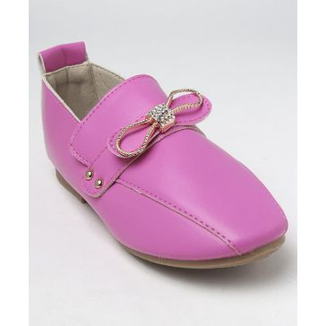 d5816e60df3 Cute Walk Babyhug Loafers Bow Embellishment - Pink