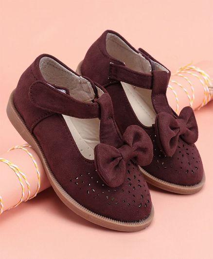 faad97806d4 Buy Cute Walk by Babyhug Bellies Bow Motif Maroon for Girls (5-6 ...