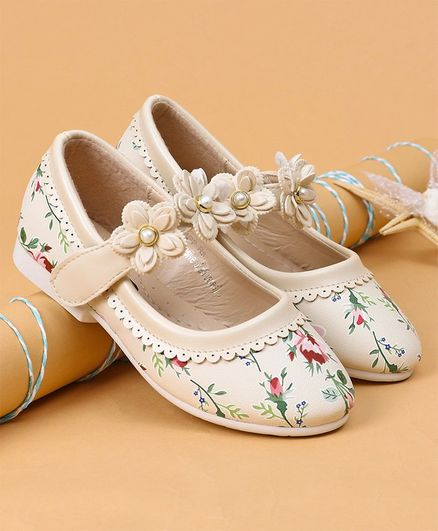 6d6a358a97d Buy Cute Walk by Babyhug Printed Belly Shoes Floral Motif Cream for ...