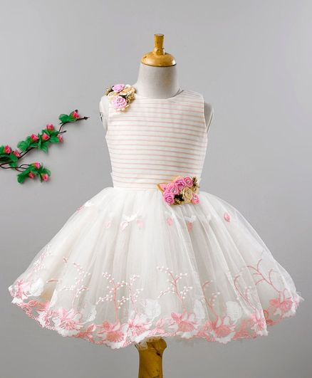 Enfance Sleeveless Floral Lace Work Flower Adorned Flare Dress - White & Peach