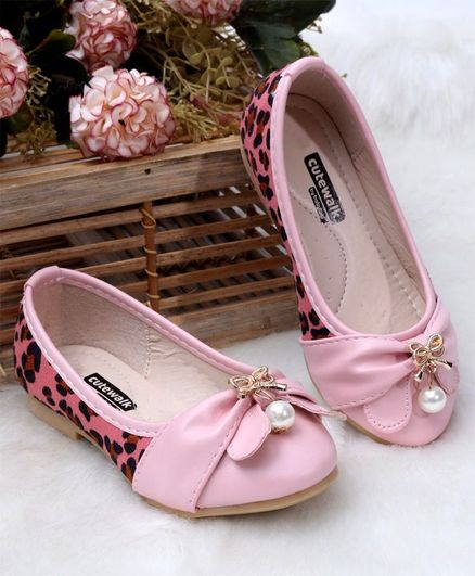Cute Walk by Babyhug Party Wear Belly Shoes Pearl Detailing -Pink