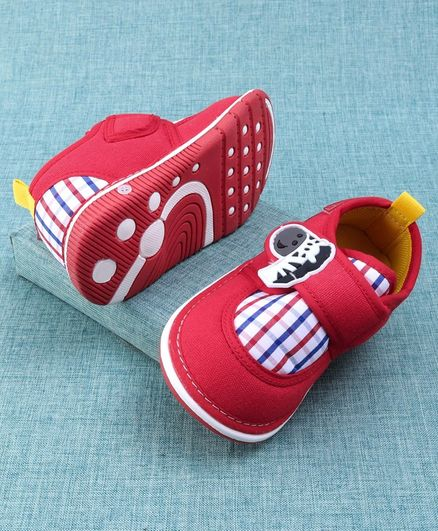 Cute Walk by Babyhug Casual Musical Shoes - Red