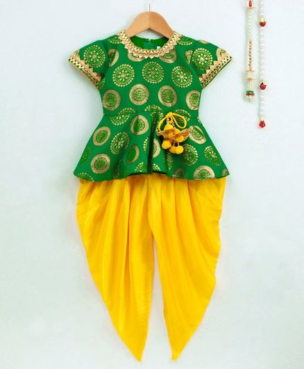 Bownbee Printed Pom Pom Decorated Peplum Short Sleeves Top With Dhoti - Green