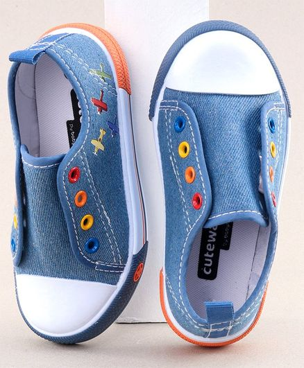 Cute Walk by Babyhug Casual Shoes Airplane Patch - Blue