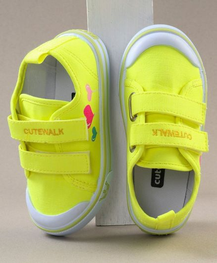 Cute Walk by Babyhug Solid Colour Casual Shoes - Neon Yellow