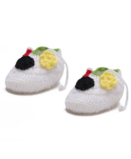 MayRa Knits Flower Decor Booties - White