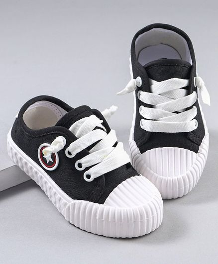 Cute Walk by Babyhug Sneaker Shoes - Black