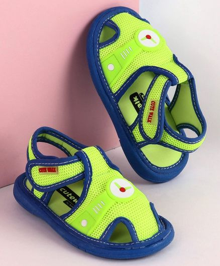 Cute Walk by Babyhug Sandals Clock Patch - Green