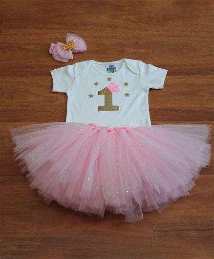 TINY MINY MEE Half Sleeves Glitter Number One Patch Detailed Onesie With Tutu Skirt & Double Bow Headband - White & Pink