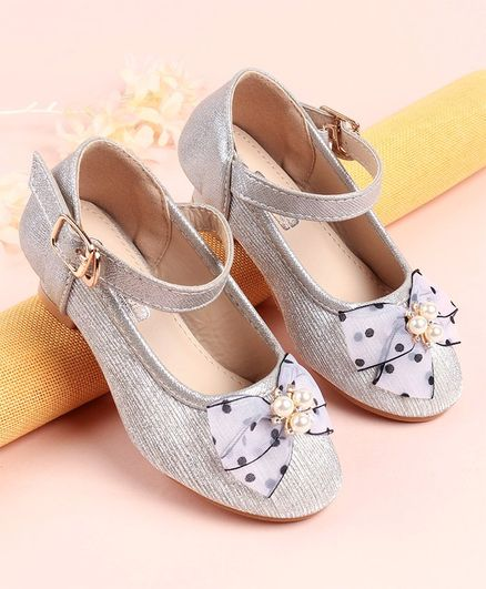 Cute Walk by Babyhug Belly Shoes Pearl & Bow Detail - Light Purple Print - Silver