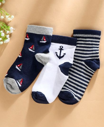 Mustang Socks Ship Design Set of 3 - White Navy Blue