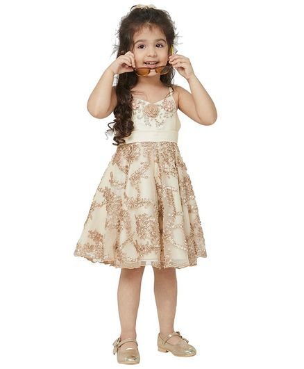Tic Tac Toe Sleeveless Embroidered Flower Detailed Dress - Beige