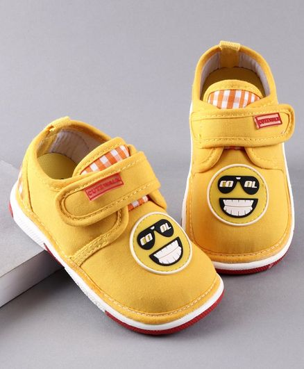 Cute Walk by Babyhug Casual Shoes Smiley Patch - Yellow