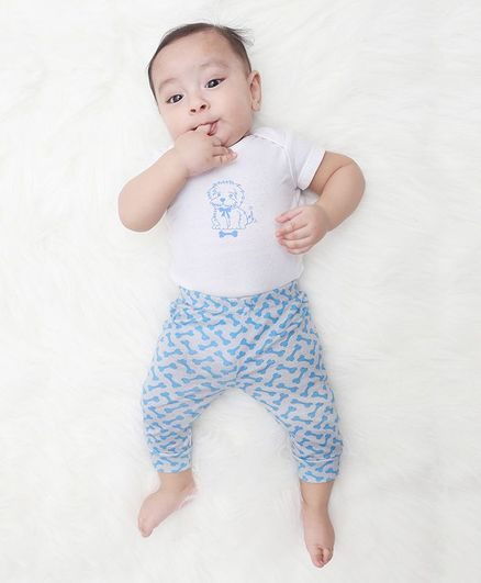 Kaarpas Short Sleeves Organic Cotton Pack Of 2 Dog Print Onesie With Pant Set - White & Grey