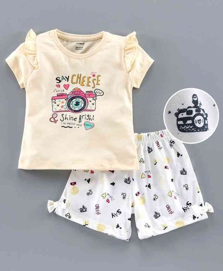 Cucumber Half Sleeves Tee & Shorts Camera Print - Yellow