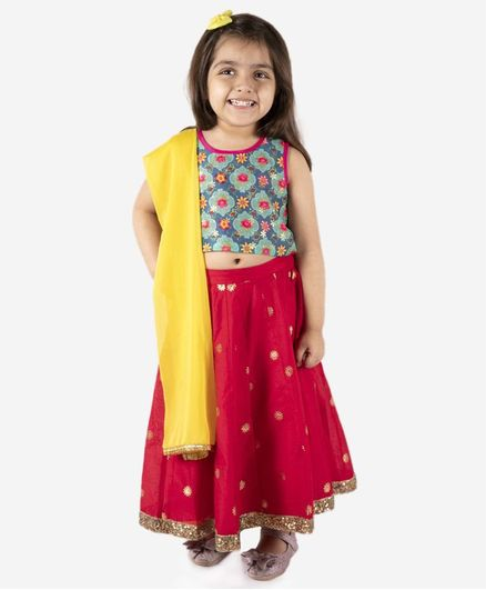 Lil Peacock Sleeveless Chanderi Print Choli With Lehenga & Dupatta - Green & Fuchsia