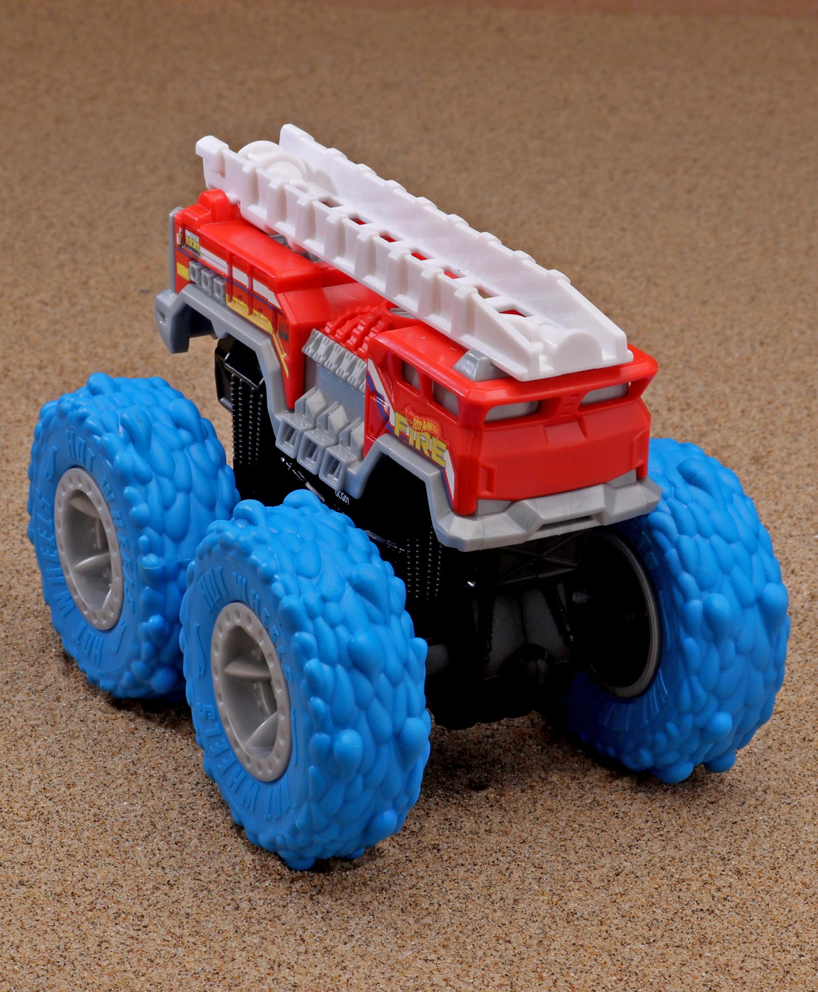 Hot Wheels 5 Alarm Wrecking Wheels Monster Truck Blue For 3 8 Years Online India Buy At Firstcry Com 3240394